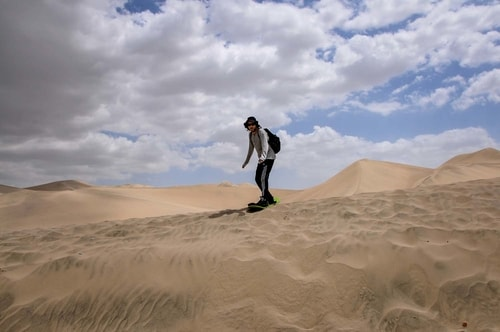 Peru-Huacachina-Sandboarding-in-the-dunes-11039 COVER