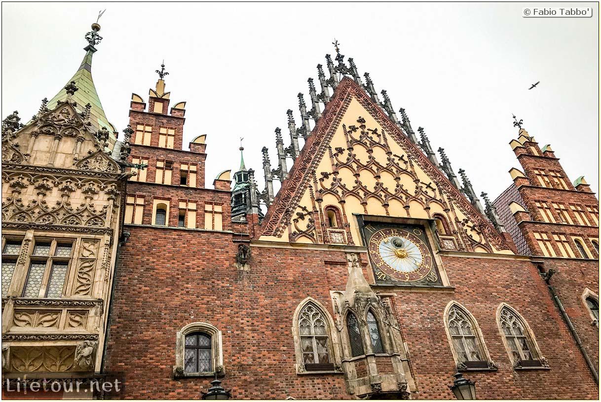 Poland-Wroclaw 2019 03-Rynek (Old Town)-13