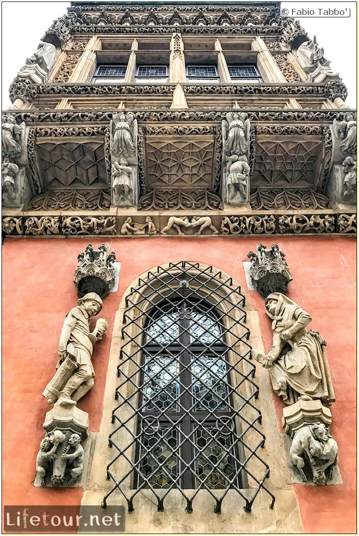 Poland-Wroclaw 2019 03-Rynek (Old Town)-19