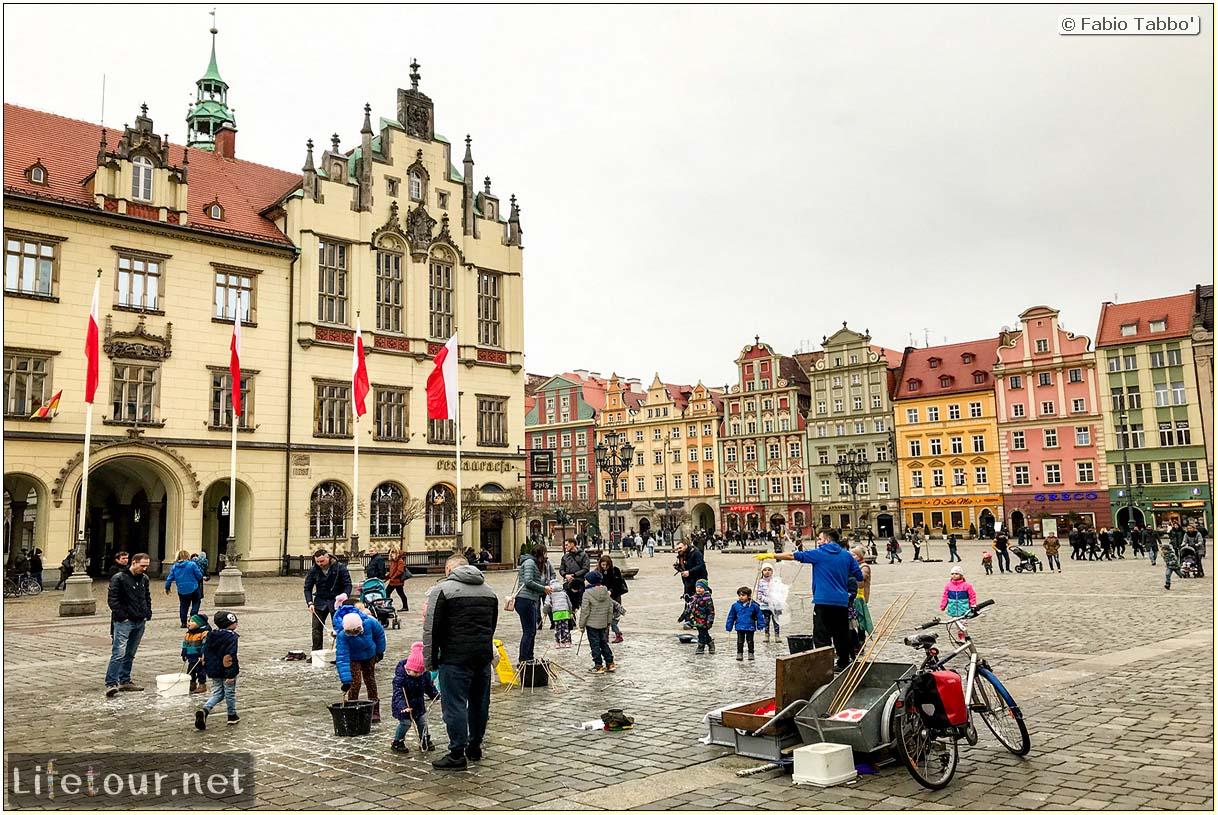 Poland-Wroclaw 2019 03-Rynek (Old Town)-21