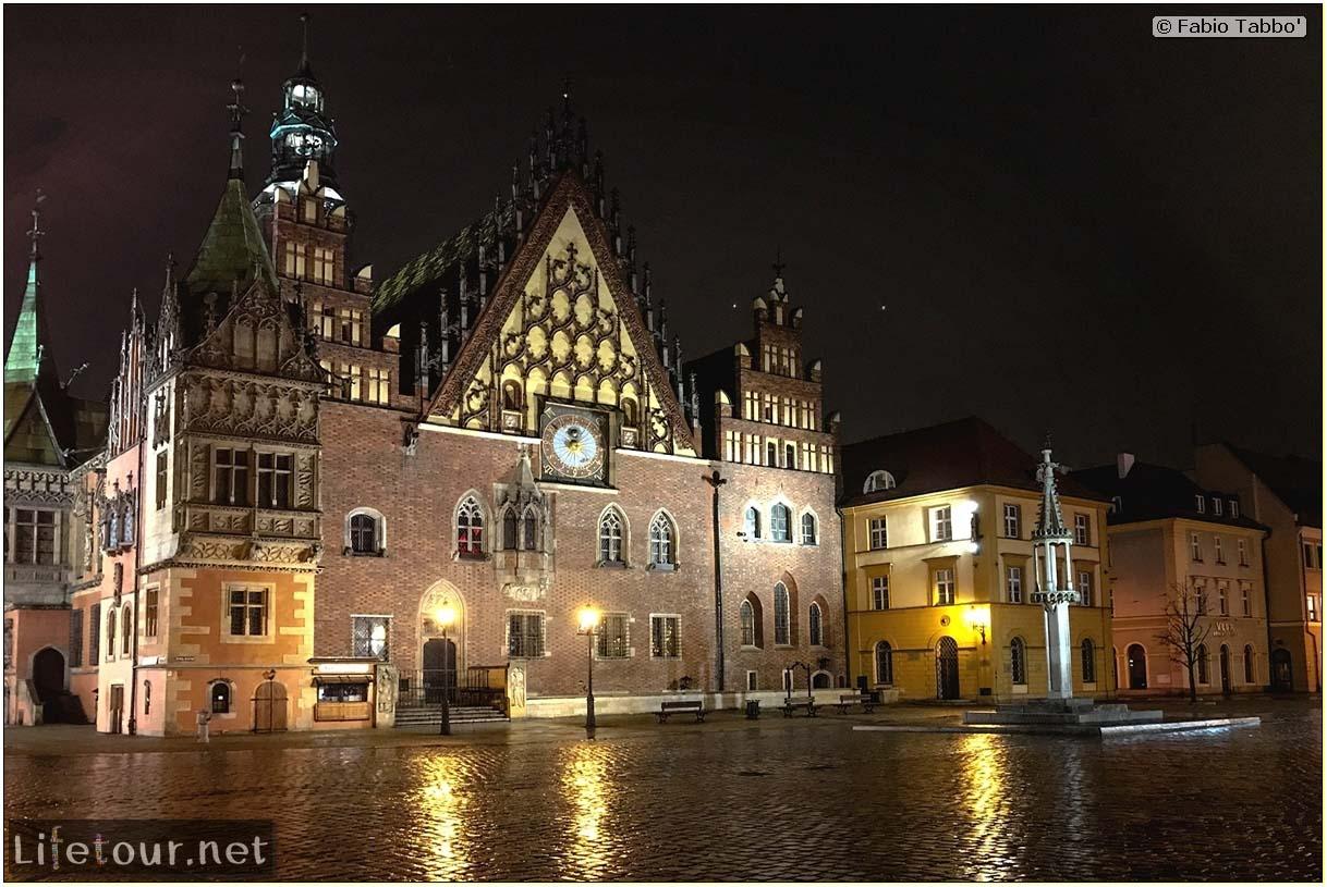 Poland-Wroclaw 2019 03-Rynek (Old Town)-9
