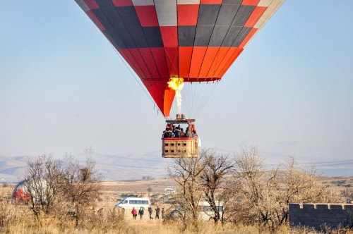 Turkey-Kapadocia-Tourism-Hot-air-balloon-flight-3.The-landing-10166 COVER