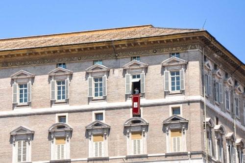 Vatican -St. Peter Square (Piazza San Pietro)-2013-12550 COVER