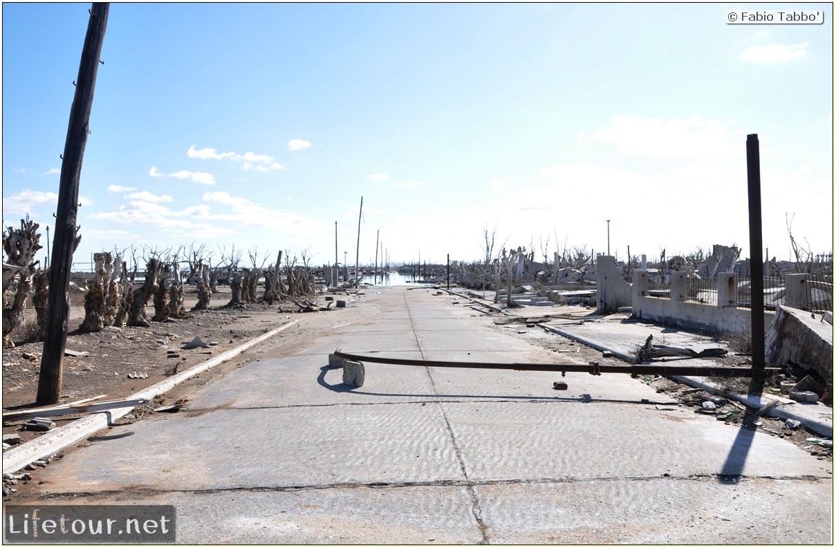 Fabios-LifeTour-Argentina-2015-July-August-Epecuen-Epecuen-ghost-town-3.-Epecuen-Ghost-town-10145