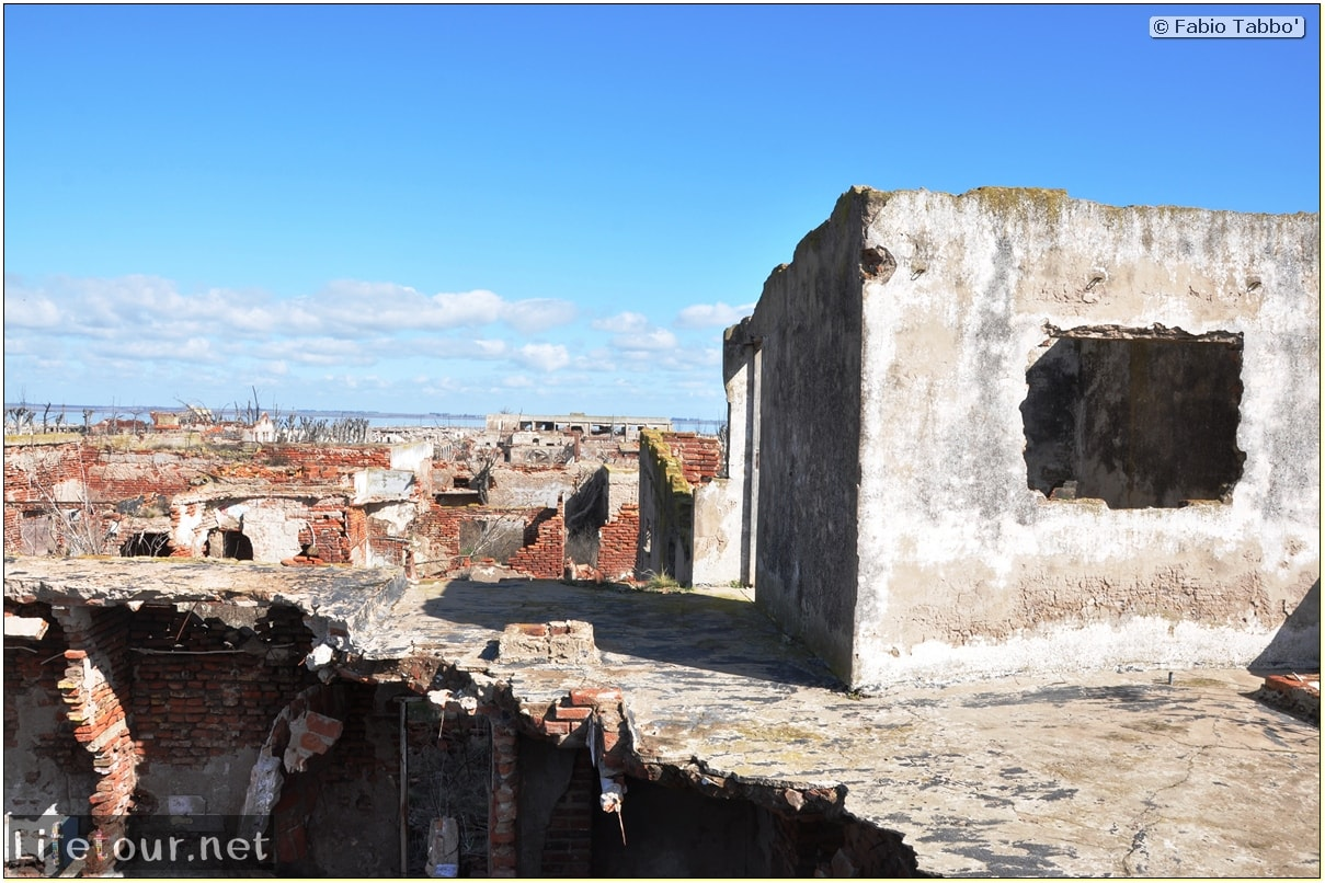 Fabios-LifeTour-Argentina-2015-July-August-Epecuen-Epecuen-ghost-town-3.-Epecuen-Ghost-town-7975