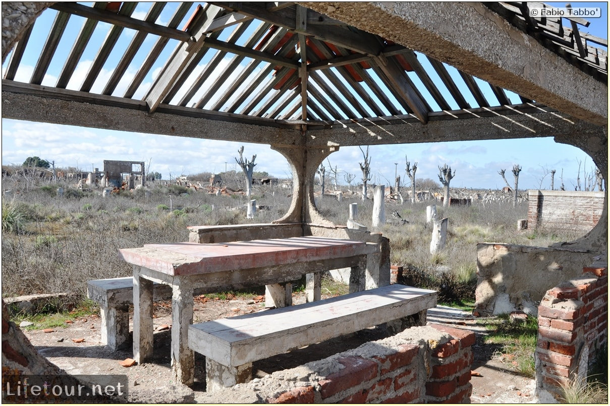 Fabios-LifeTour-Argentina-2015-July-August-Epecuen-Epecuen-ghost-town-3.-Epecuen-Ghost-town-8085-cover