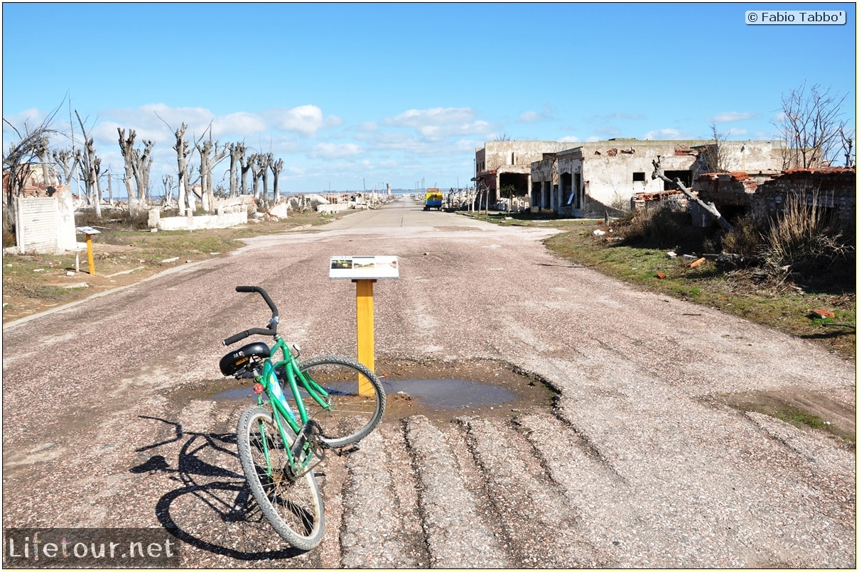Fabios-LifeTour-Argentina-2015-July-August-Epecuen-Epecuen-ghost-town-3.-Epecuen-Ghost-town-8260