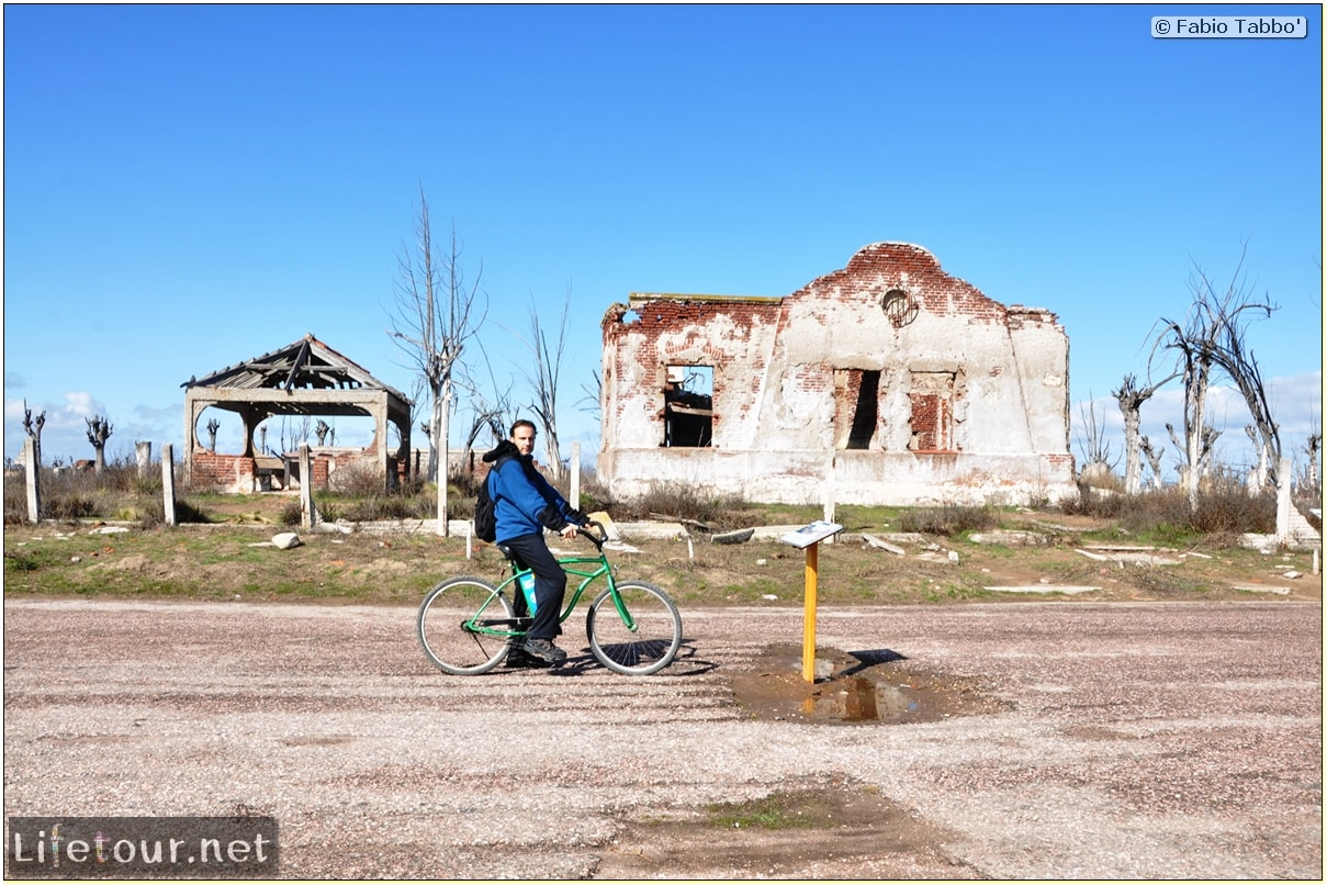 Fabios-LifeTour-Argentina-2015-July-August-Epecuen-Epecuen-ghost-town-3.-Epecuen-Ghost-town-8312