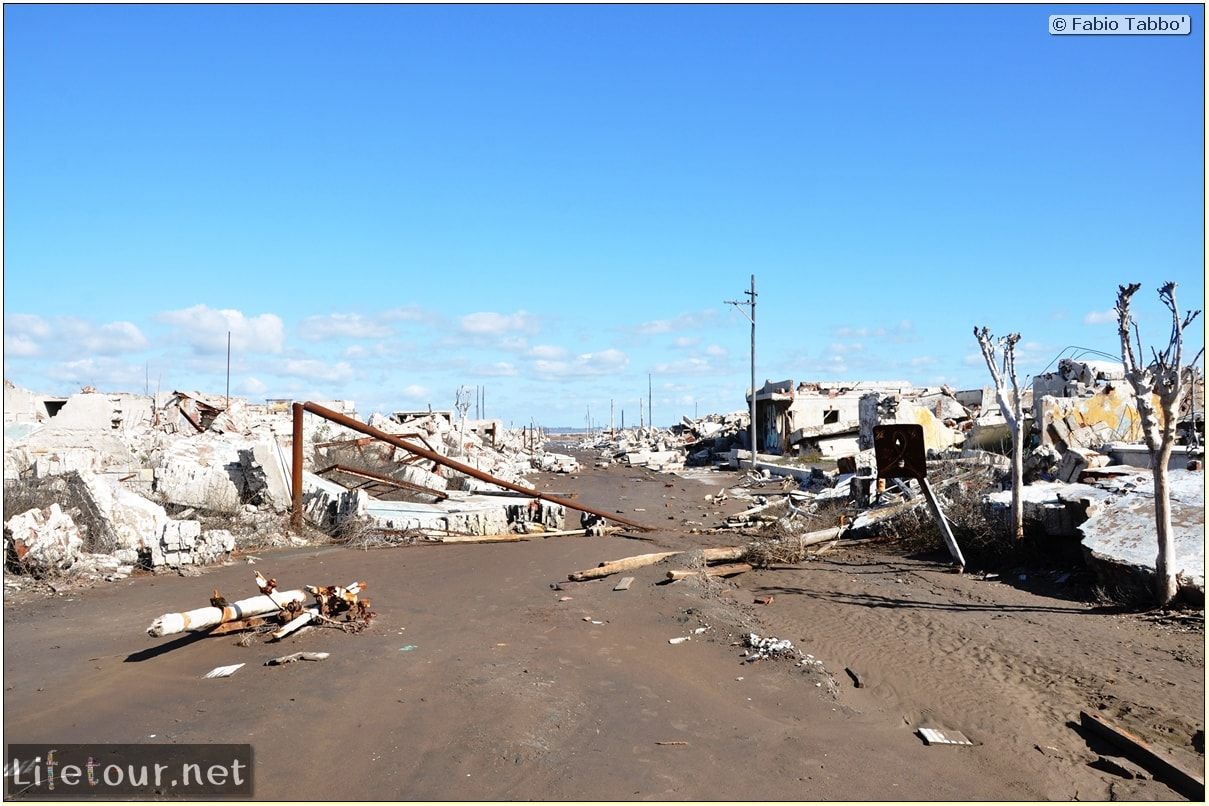 Fabios-LifeTour-Argentina-2015-July-August-Epecuen-Epecuen-ghost-town-3.-Epecuen-Ghost-town-8704-cover-1