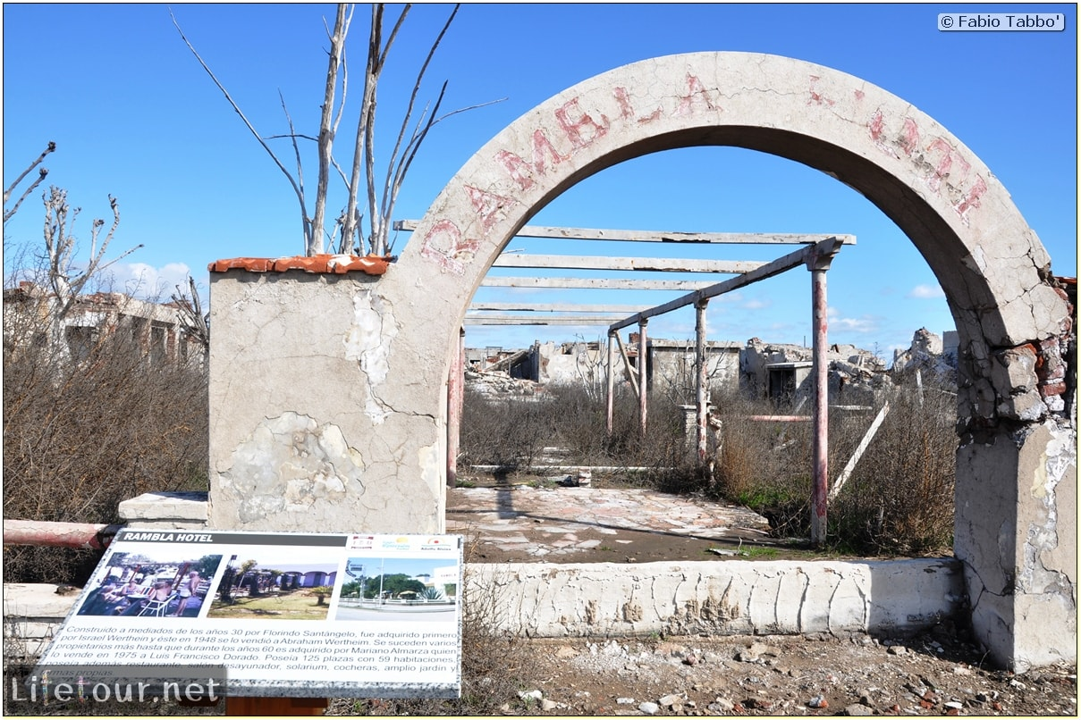 Fabios-LifeTour-Argentina-2015-July-August-Epecuen-Epecuen-ghost-town-3.-Epecuen-Ghost-town-8924