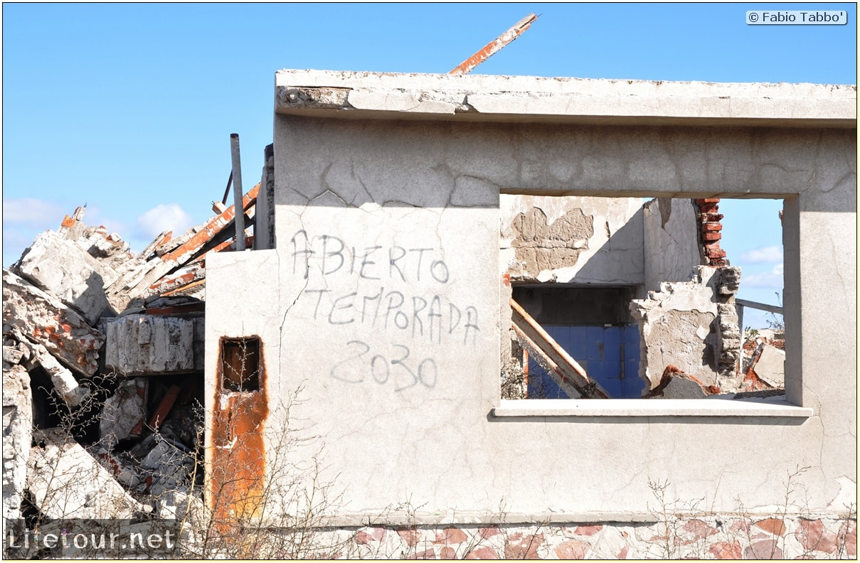 Fabios-LifeTour-Argentina-2015-July-August-Epecuen-Epecuen-ghost-town-3.-Epecuen-Ghost-town-9054-cover