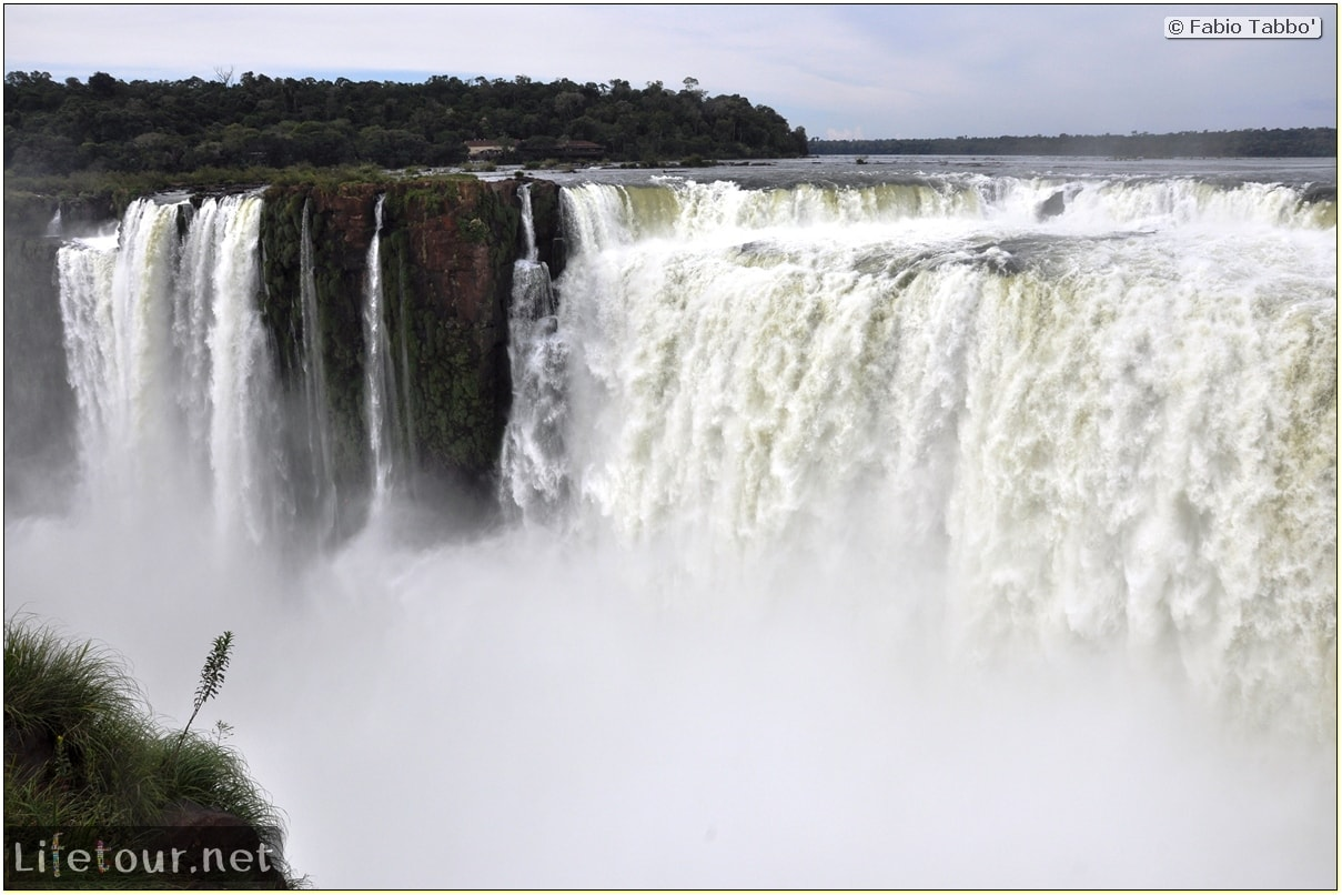 Fabios-LifeTour-Argentina-2015-July-August-Puerto-Iguazu-falls-The-Iguazu-falls-2630-cover-1