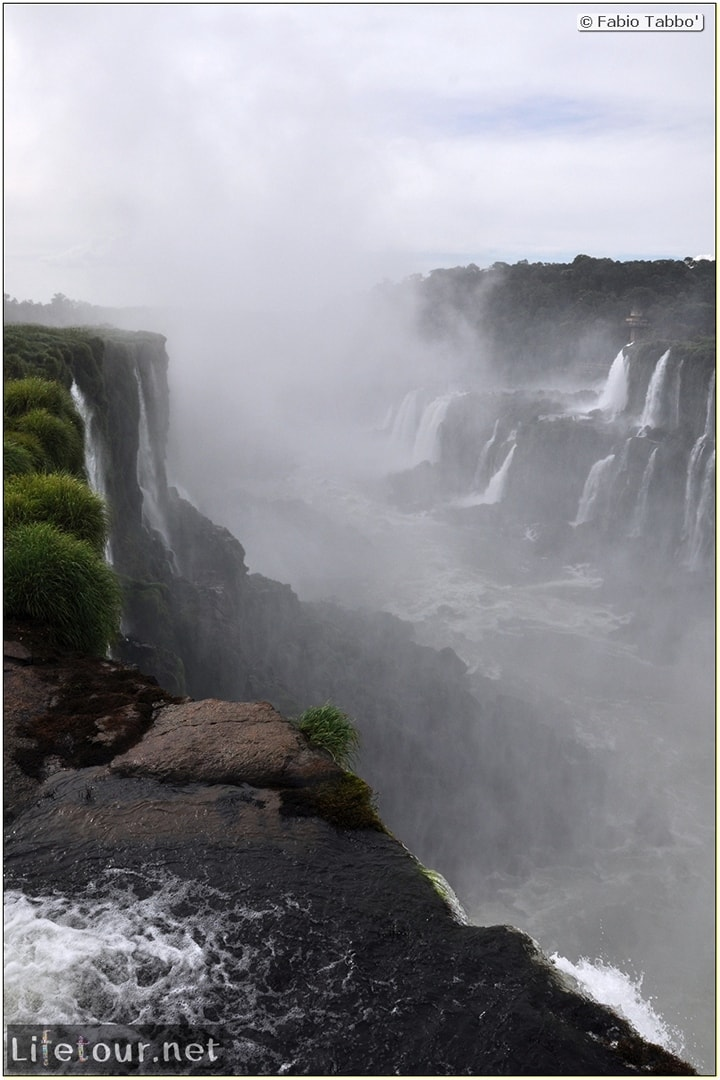 Fabios-LifeTour-Argentina-2015-July-August-Puerto-Iguazu-falls-The-Iguazu-falls-3912-cover
