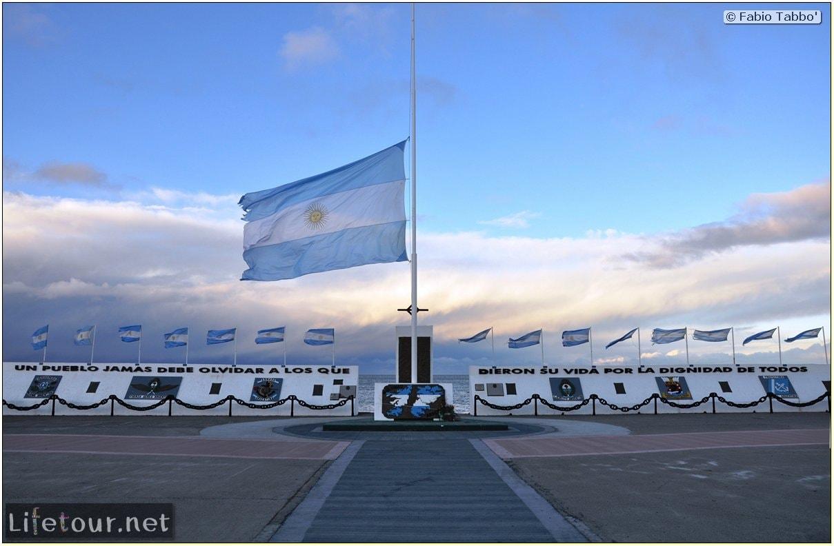 Fabios-LifeTour-Argentina-2015-July-August-Rio-Grande-Monumento-a-Héroes-de-Malvinas-4584-cover