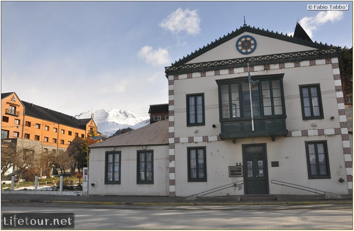 Fabios-LifeTour-Argentina-2015-July-August-Ushuaia-Ushuaia-city-City-center-2237