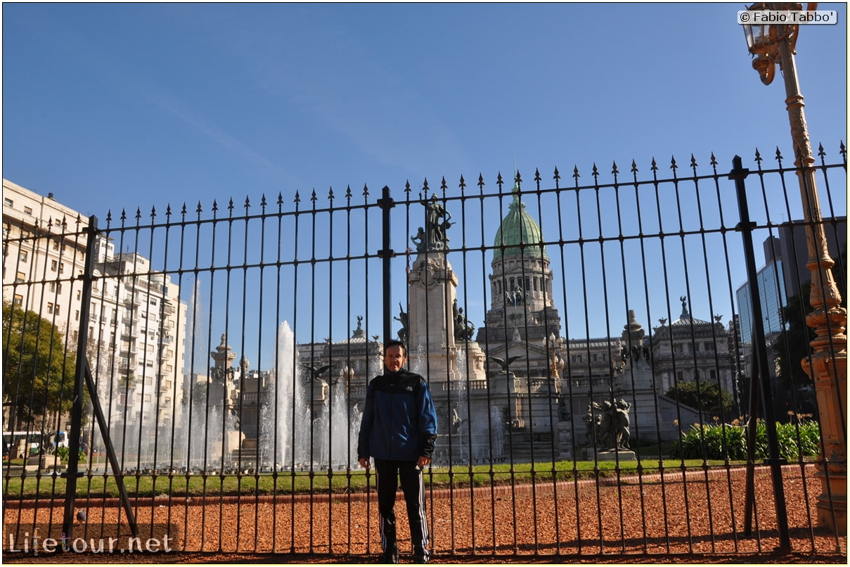 Fabios-LifeTour-Argentina-2015-July-August-buenos-aires-City-Center-Plaza-25-de-Mayo-and-Casa-Rosada-7086