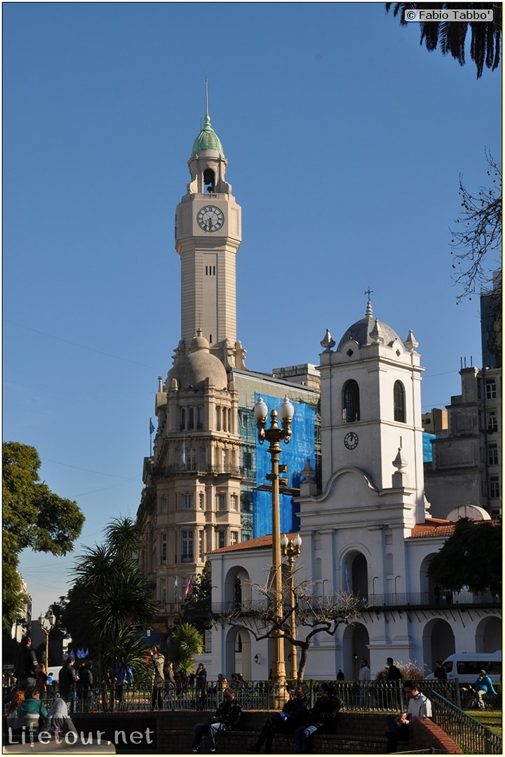 Fabios-LifeTour-Argentina-2015-July-August-buenos-aires-City-Center-Plaza-25-de-Mayo-and-Casa-Rosada-8005
