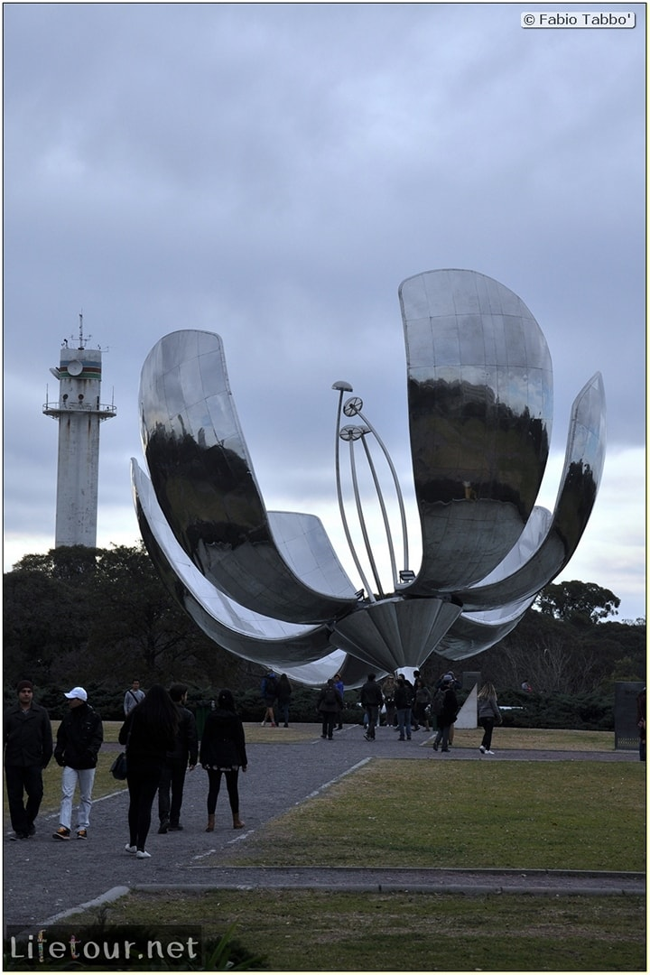 Fabios-LifeTour-Argentina-2015-July-August-buenos-aires-Recoleta-Floralis-Genérica-5469-cover-2