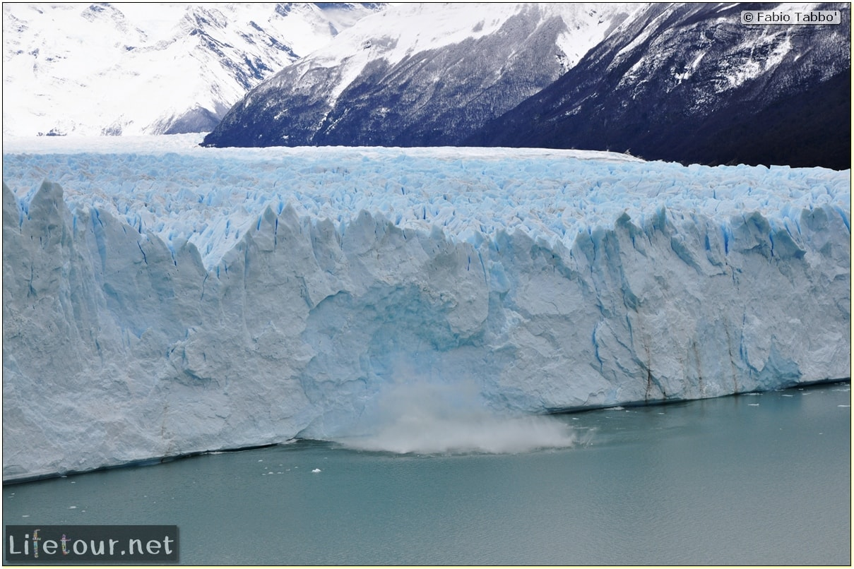 Glacier-Perito-Moreno-Northern-section-Glacier-breaking-photo-sequence-248