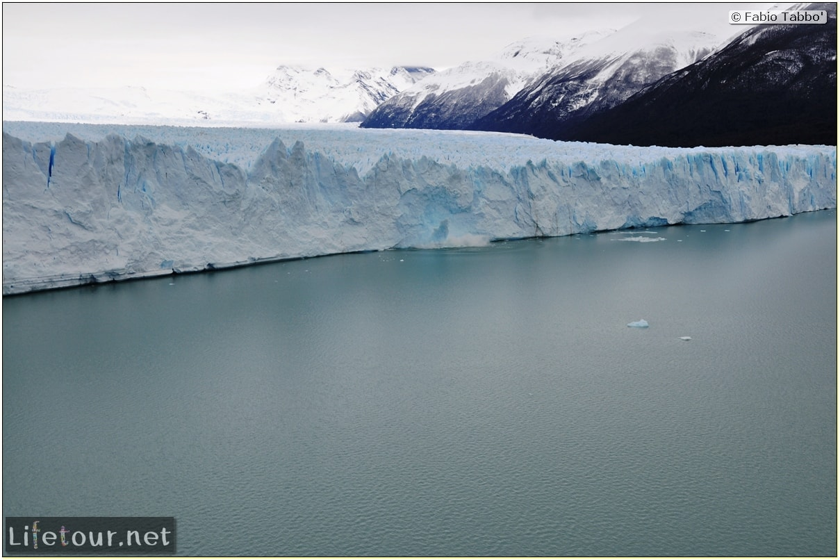 Glacier-Perito-Moreno-Northern-section-Glacier-breaking-photo-sequence-252-cover-1