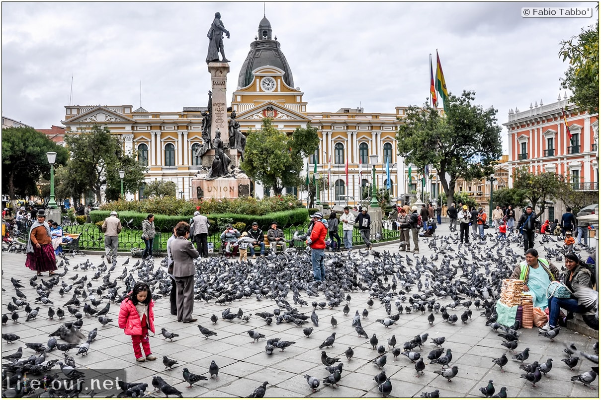 Fabio_s-LifeTour---Bolivia-(2015-March)---La-Paz---Plaza-Murillo---4009
