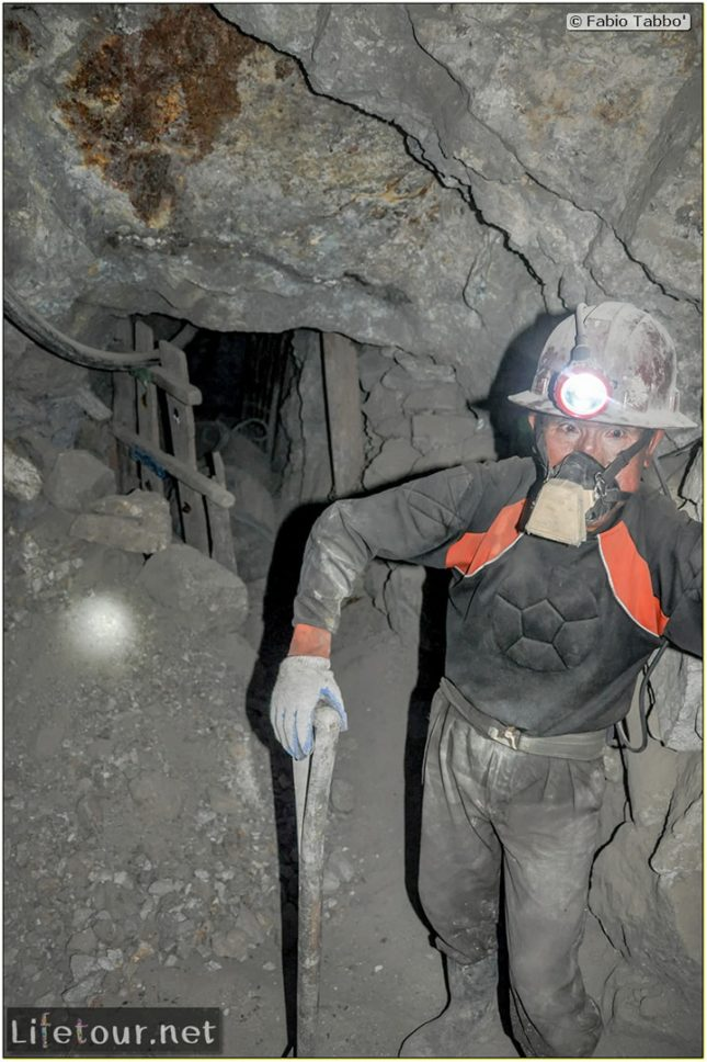 Fabio_s-LifeTour---Bolivia-(2015-March)---Potosi---mine---2.-Inside-the-mine-(welcome-to-hell)---6598