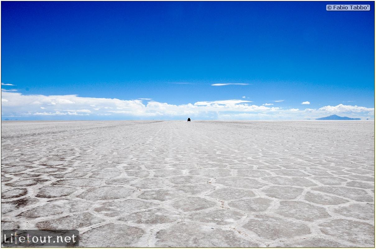 Fabio_s-LifeTour---Bolivia-(2015-March)---Ujuni---Salar-de-Ujuni---3--erratic-trekking---10717