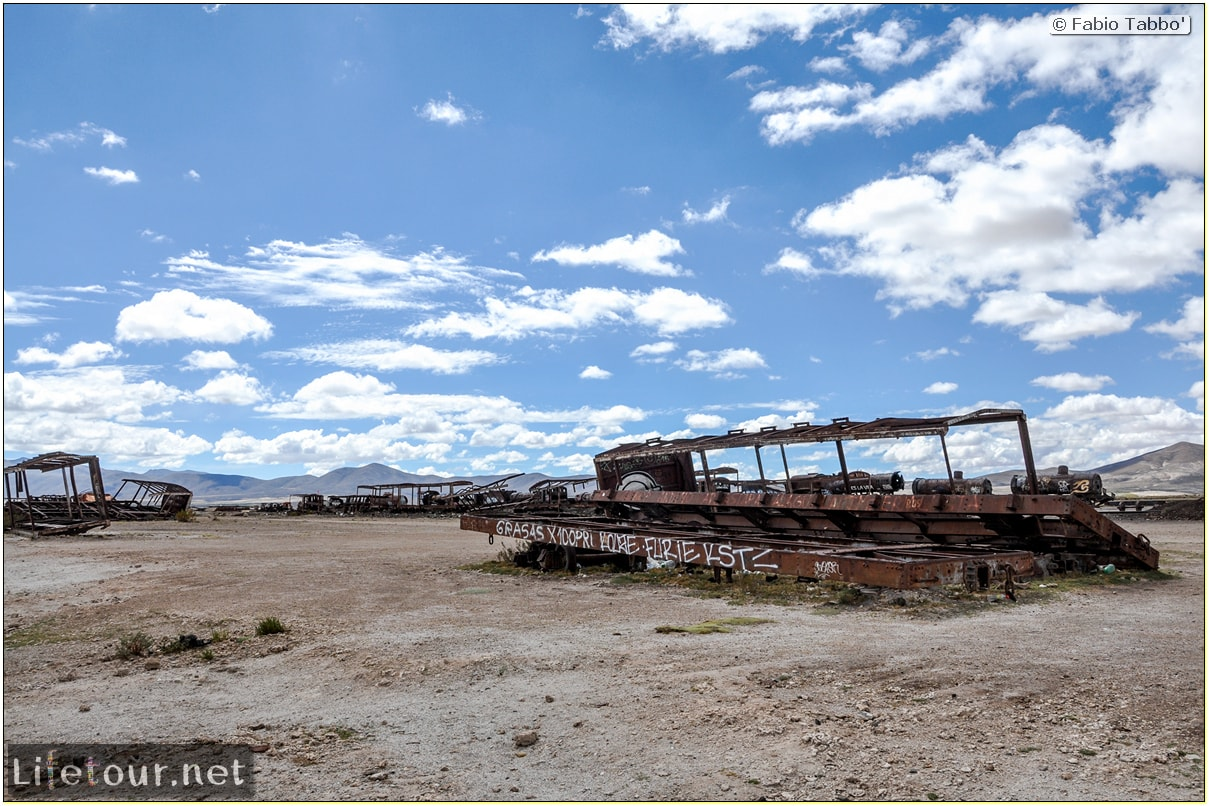 Fabio_s-LifeTour---Bolivia-(2015-March)---Ujuni---Ujuni-Train-Graveyard---1960