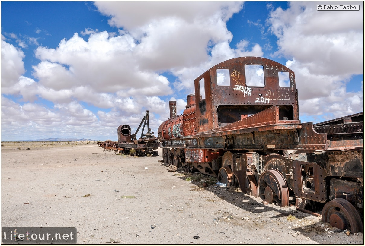 Fabio_s-LifeTour---Bolivia-(2015-March)---Ujuni---Ujuni-Train-Graveyard---3144