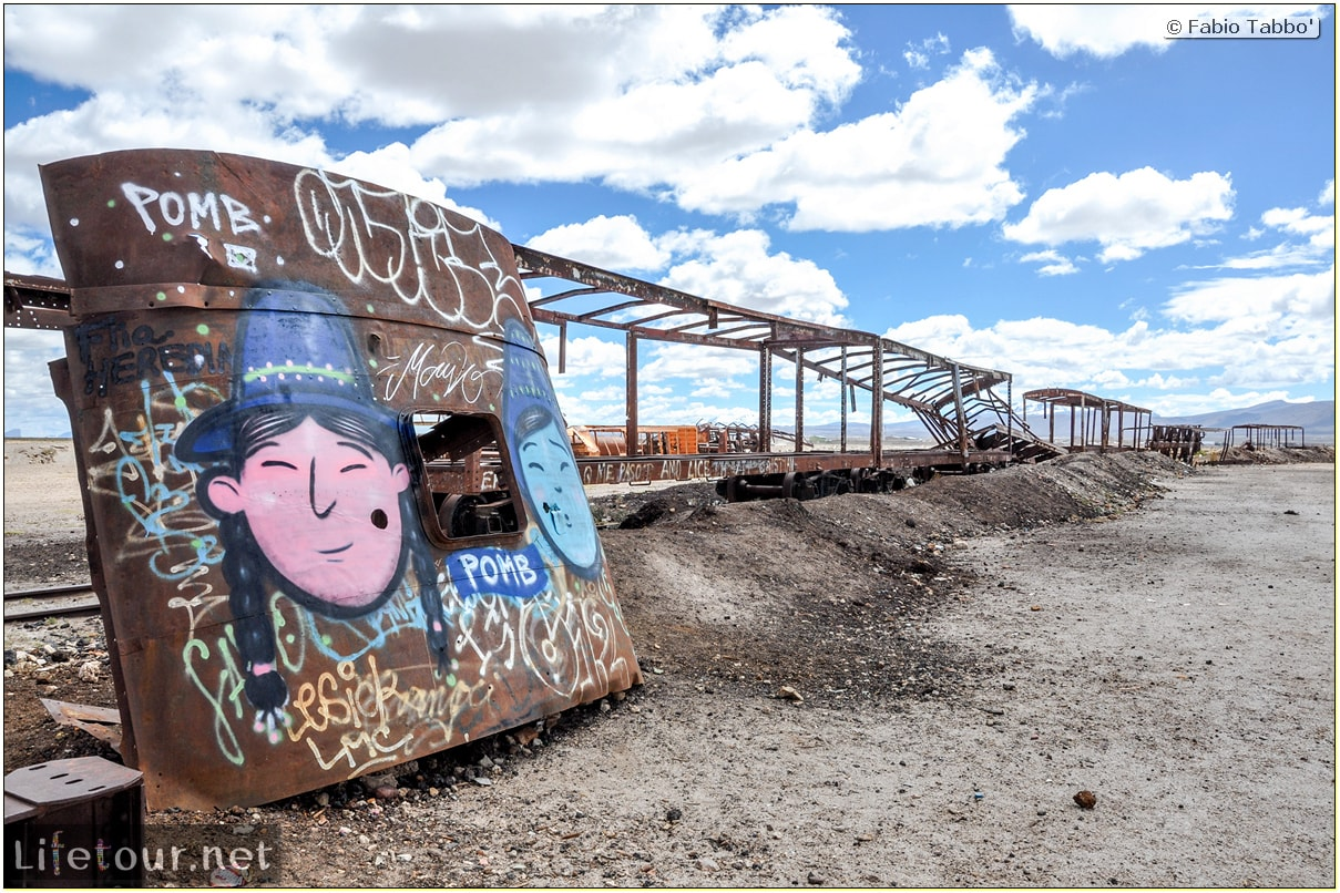 Fabio_s-LifeTour---Bolivia-(2015-March)---Ujuni---Ujuni-Train-Graveyard---3611