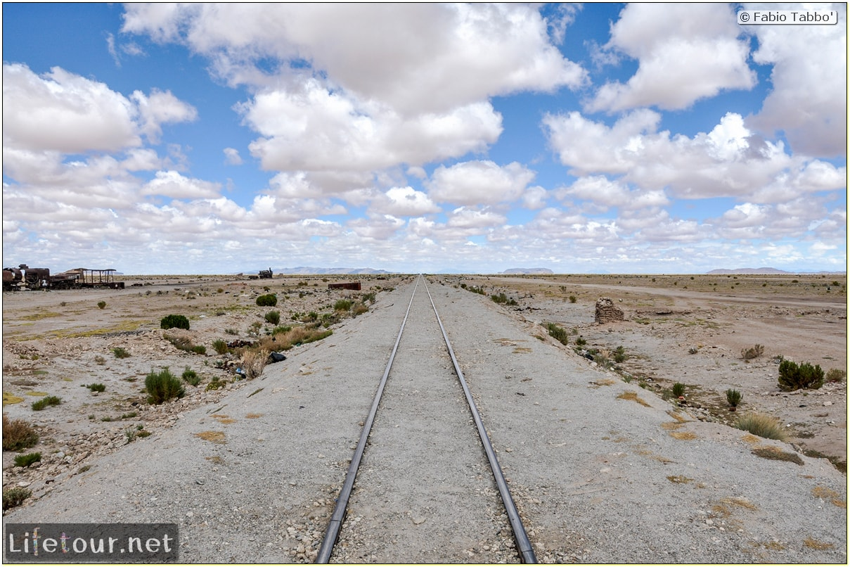 Fabio_s-LifeTour---Bolivia-(2015-March)---Ujuni---Ujuni-Train-Graveyard---4333