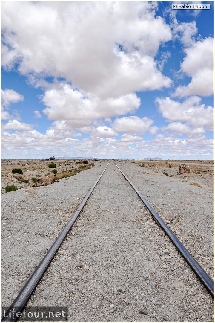 Fabio_s-LifeTour---Bolivia-(2015-March)---Ujuni---Ujuni-Train-Graveyard---4406-cover