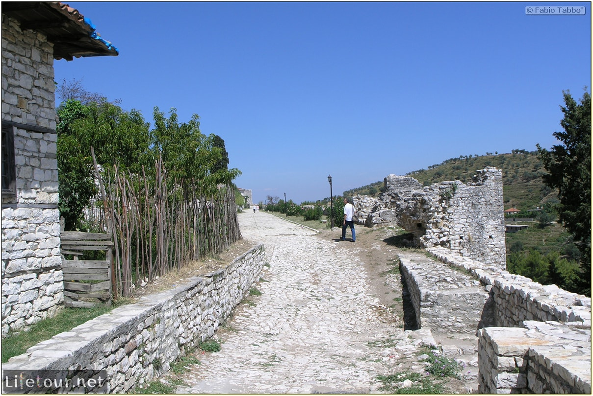 Fabios-LifeTour-Albania-2005-August-Berat-Berat-City-20038-2