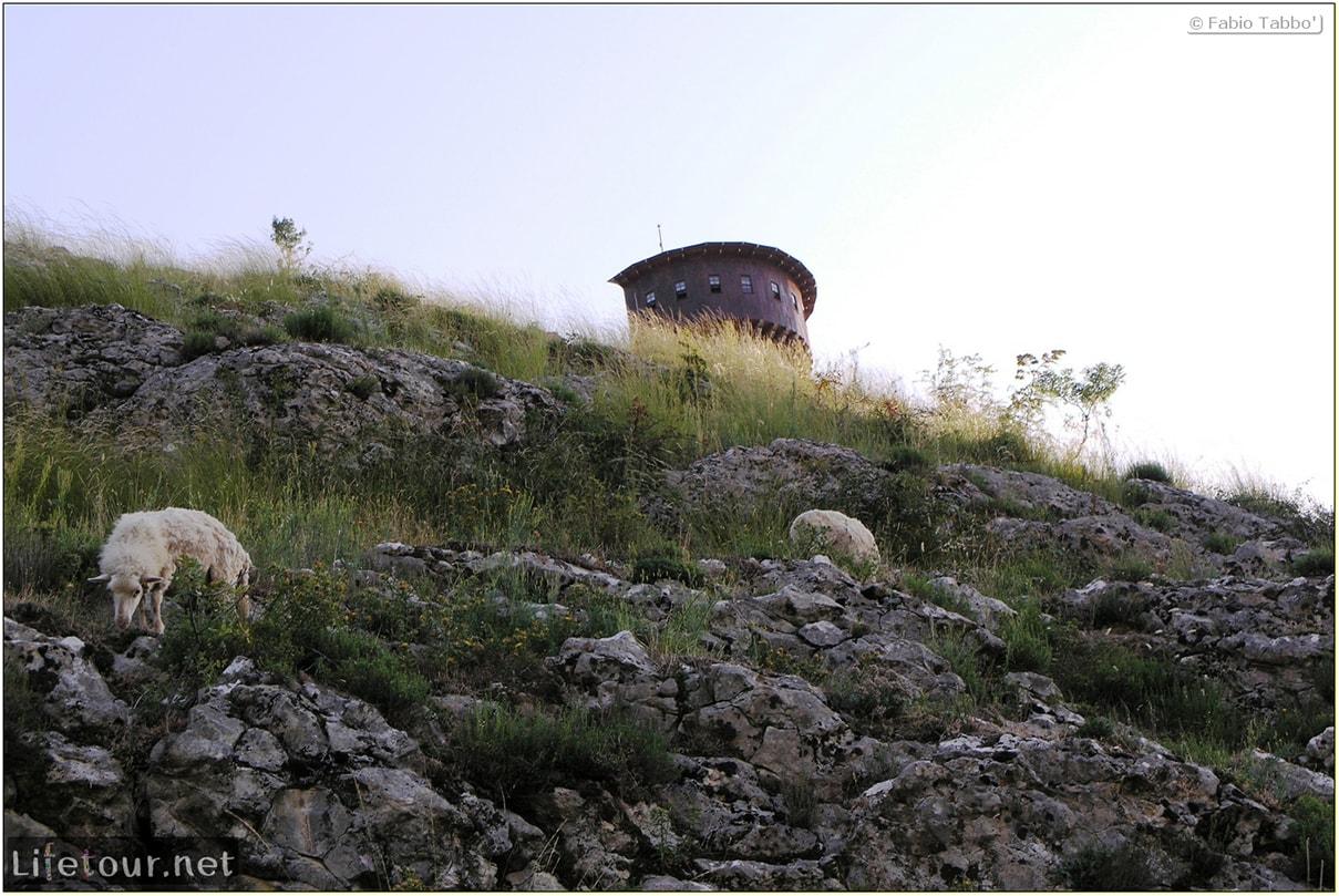 Fabios-LifeTour-Albania-2005-August-Petrelle-20101-1