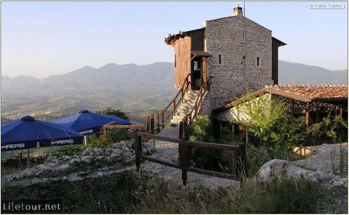 Fabios-LifeTour-Albania-2005-August-Petrelle-20103-1