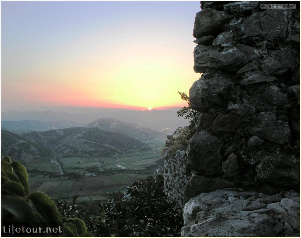 Fabios-LifeTour-Albania-2005-August-Petrelle-20111-1