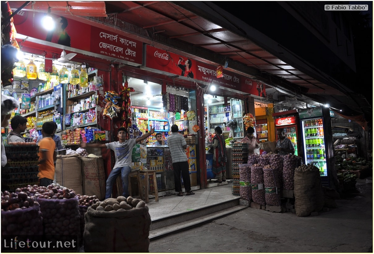 Fabios-LifeTour-Bangladesh-2014-May-Dacca-Night-markets-7259