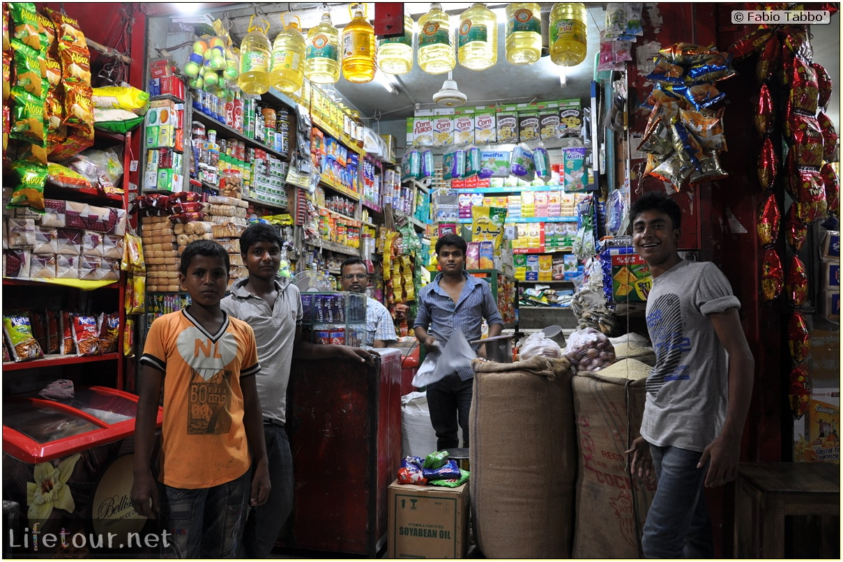 Fabios-LifeTour-Bangladesh-2014-May-Dacca-Night-markets-7344-cover-1