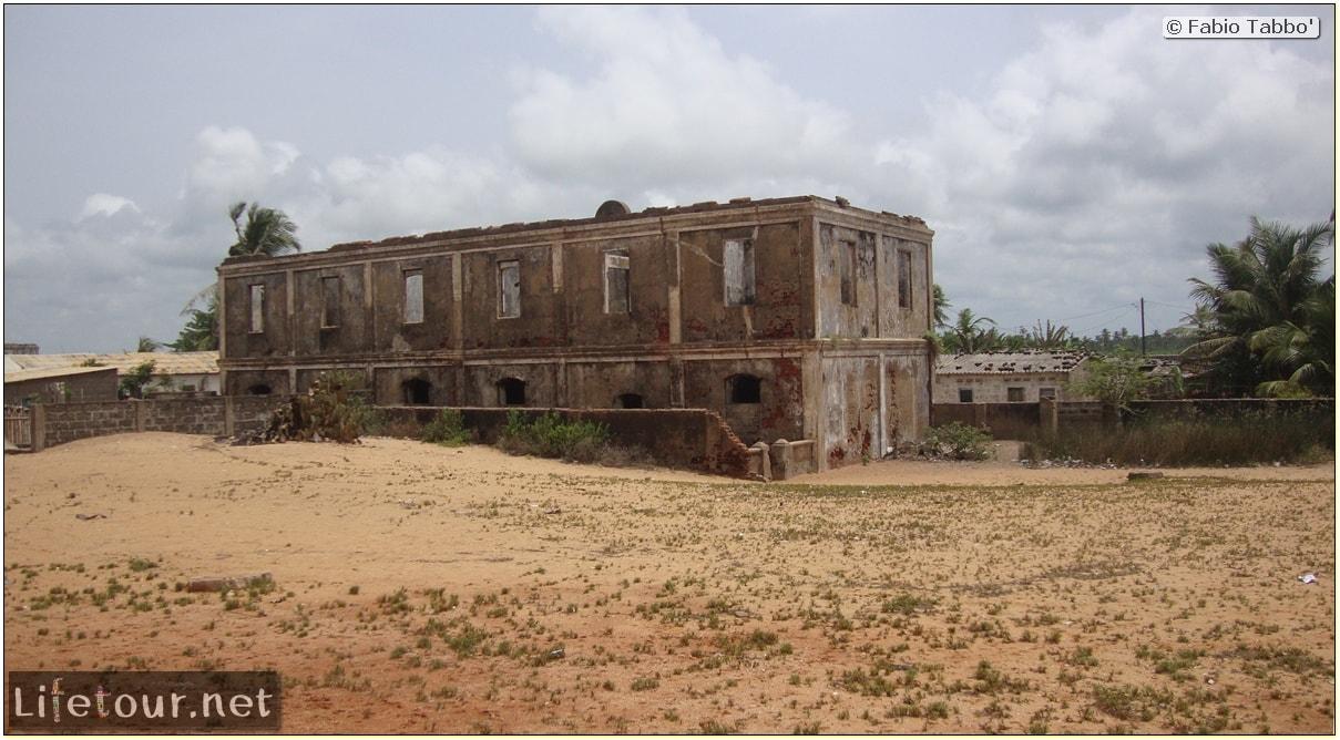 Fabio's LifeTour - Benin (2013 May) - Grand Popo - Comptoirs Coloniaux de Gbecon (ghost town) - 1418 cover