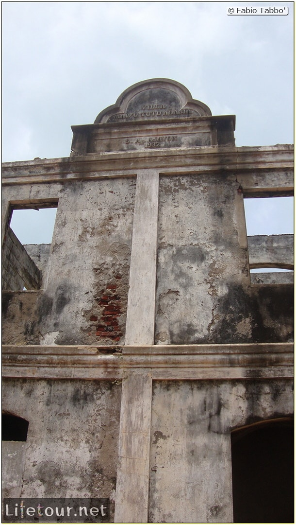 Fabio's LifeTour - Benin (2013 May) - Grand Popo - Comptoirs Coloniaux de Gbecon (ghost town) - 1419