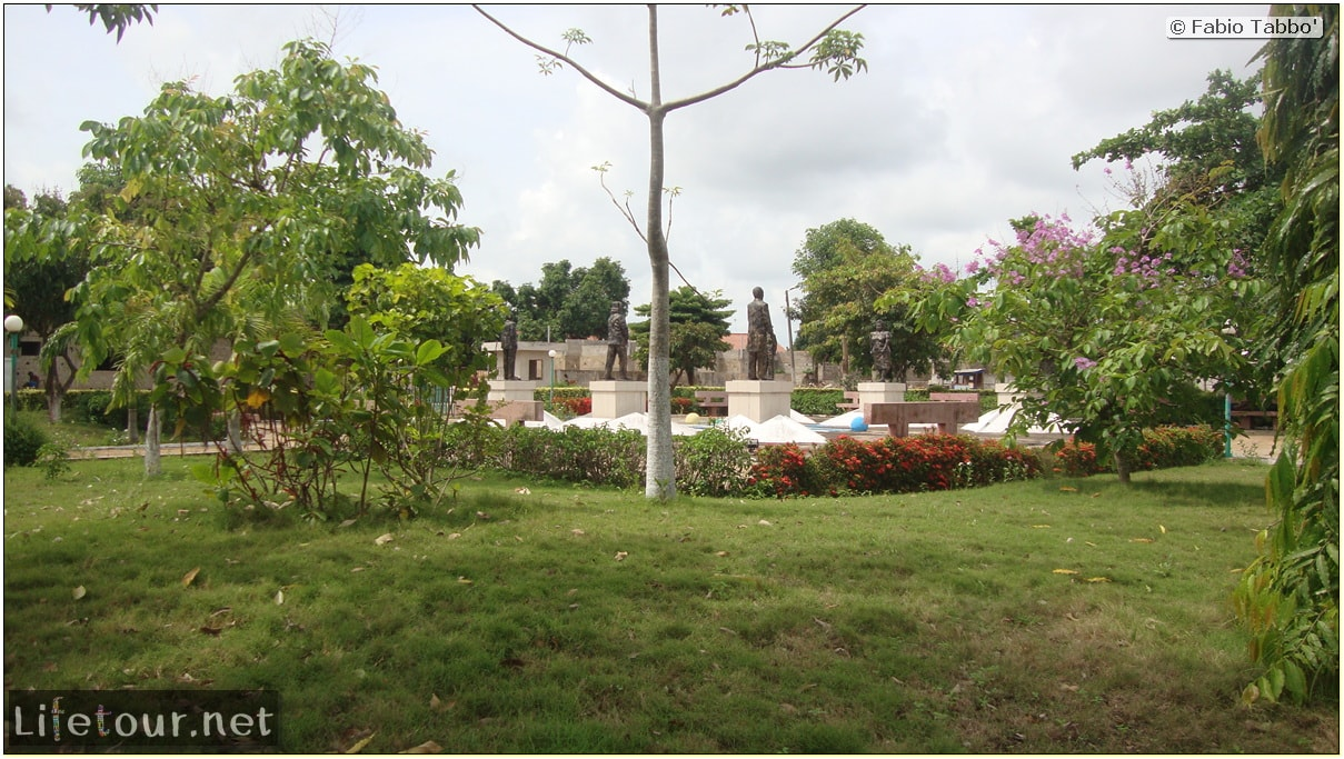 Fabio's LifeTour - Benin (2013 May) - Ouidah - City - 1432