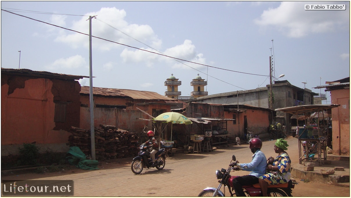 Fabio's LifeTour - Benin (2013 May) - Porto Novo - City center - 1519 cover