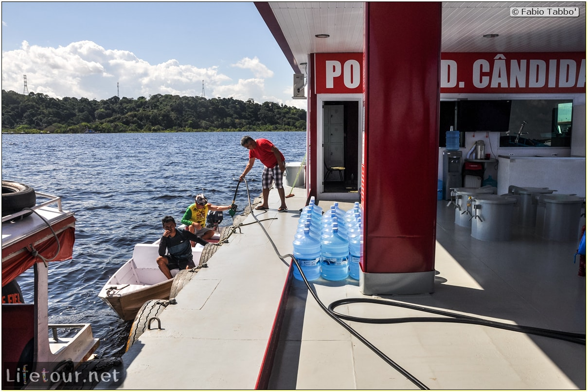 Fabio's LifeTour - Brazil (2015 April-June and October) - Manaus - Amazon Jungle - Fuel stations on the Amazon river - 10688