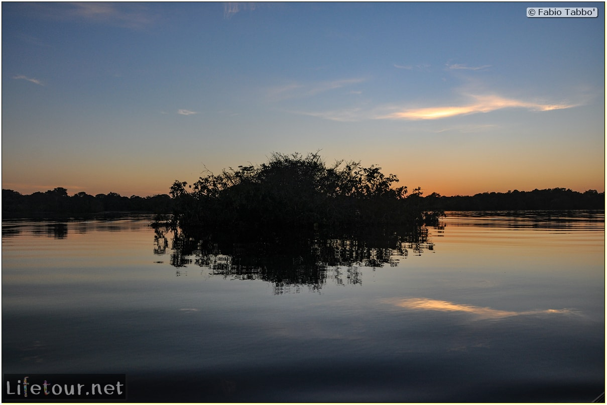 Fabio's LifeTour - Brazil (2015 April-June and October) - Manaus - Amazon Jungle - Sunrise on the Amazon - 10028