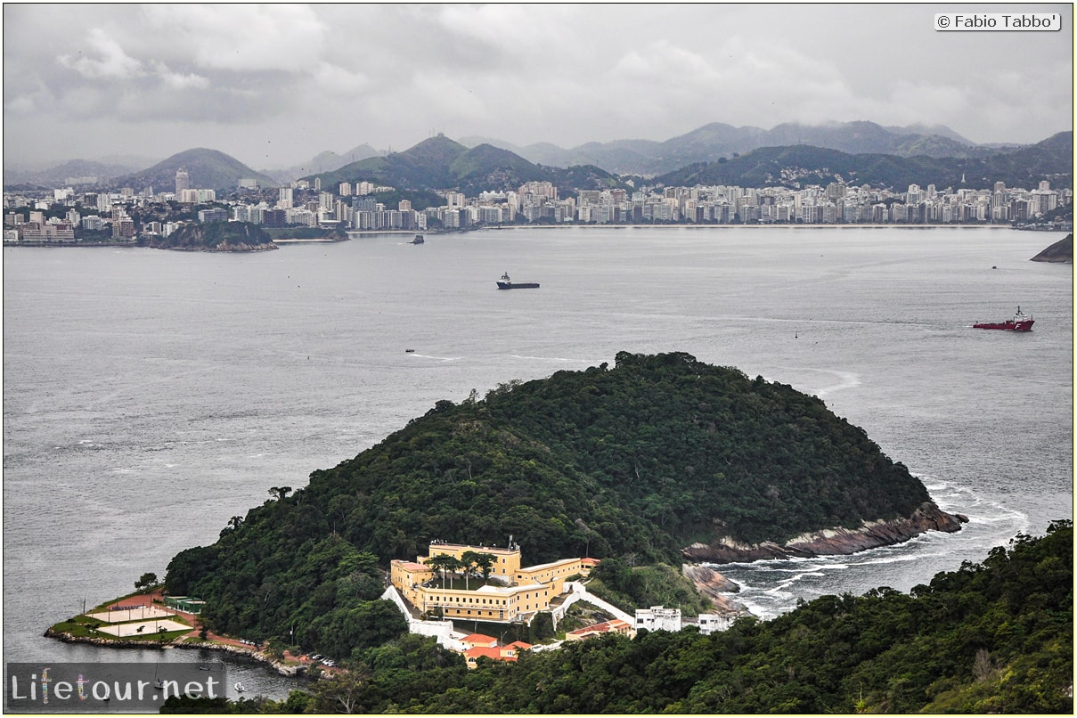 Rio De Janeiro - Trilha Do P¦o De Açúcar - 2- panoramic views on first station - 858