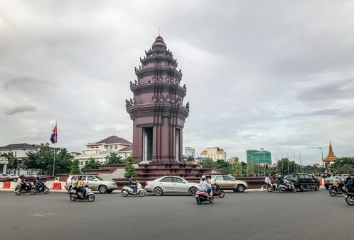 Fabio_s-LifeTour---Cambodia-(2017-July-August)---Phnom-Penh---Independence-Square-area---Independence-Monument---18252-cover