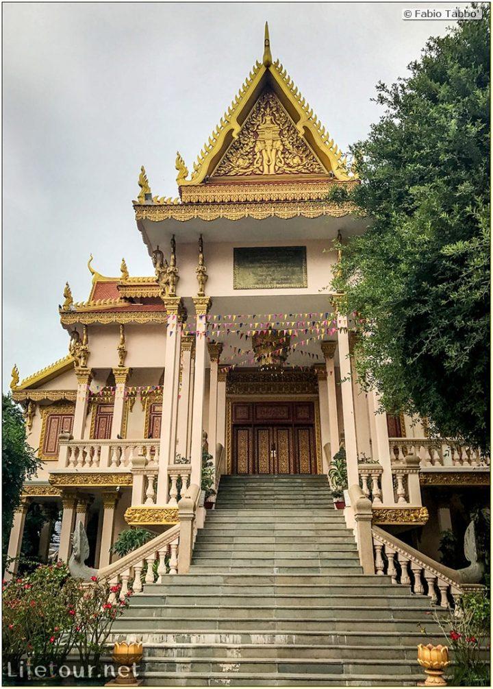 Fabio_s-LifeTour---Cambodia-(2017-July-August)---Phnom-Penh---Independence-Square-area---Wat-Langka---18249