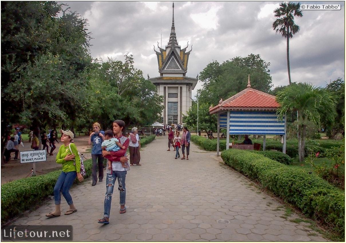 Fabio_s-LifeTour---Cambodia-(2017-July-August)---Phnom-Penh---Killing-Fields-of-Choeung-Ek---Skulls-Stupa---20114