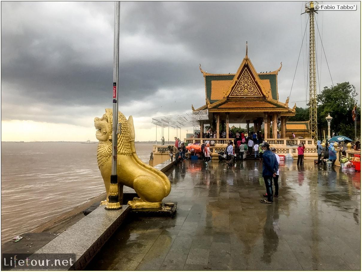 Fabio_s-LifeTour---Cambodia-(2017-July-August)---Phnom-Penh---Sisowath-Quay---18284