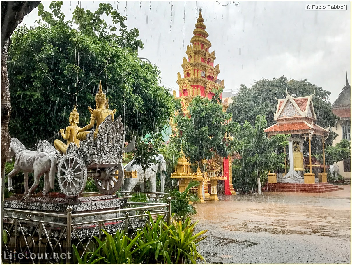 Fabio_s-LifeTour---Cambodia-(2017-July-August)---Phnom-Penh---Wat-Ounalom---18296-cover